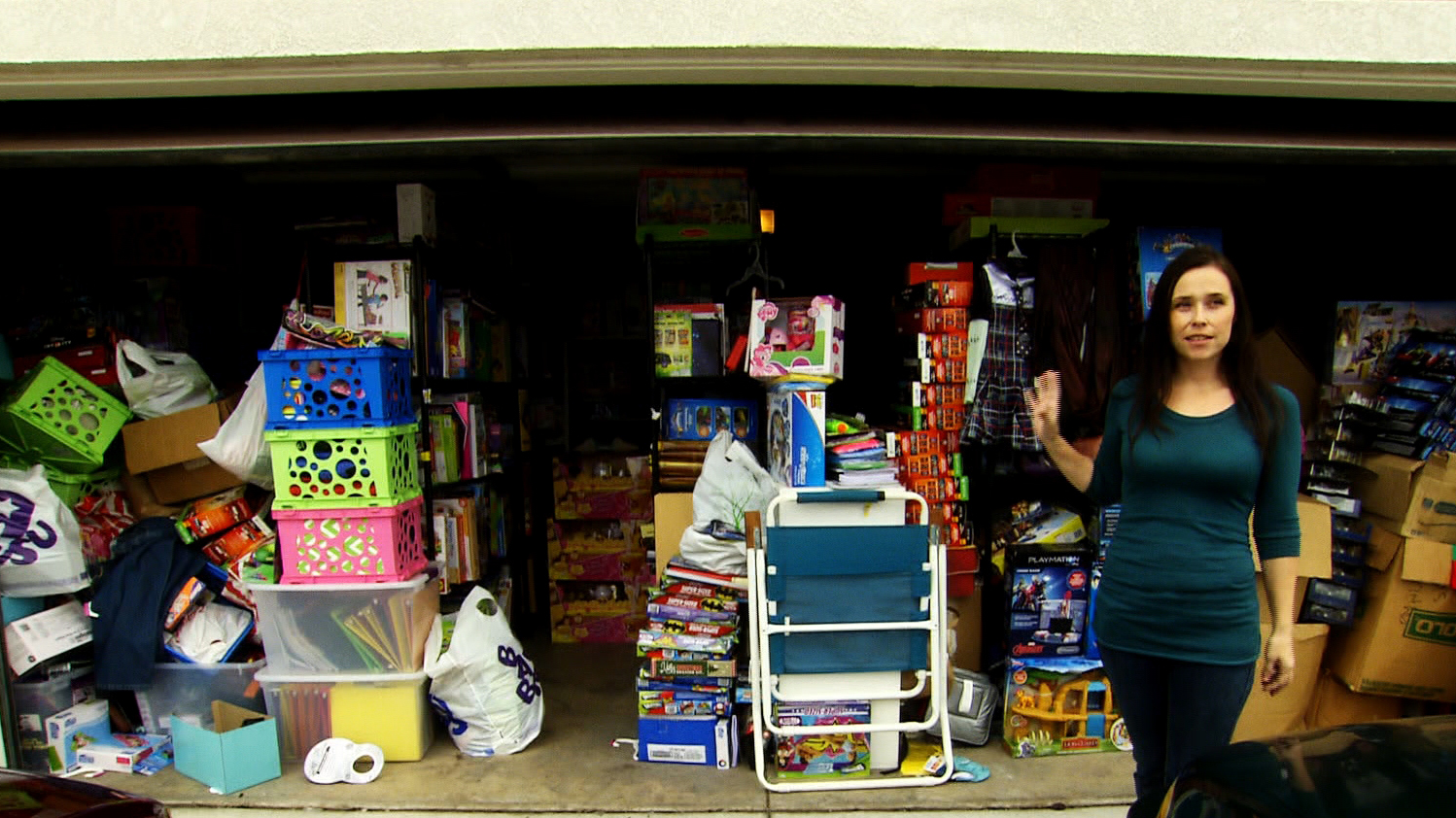 Young Woman With 3,000 Toys And 50 Artificial Christmas Trees Denies Mother's Claims That She's A Hoarder