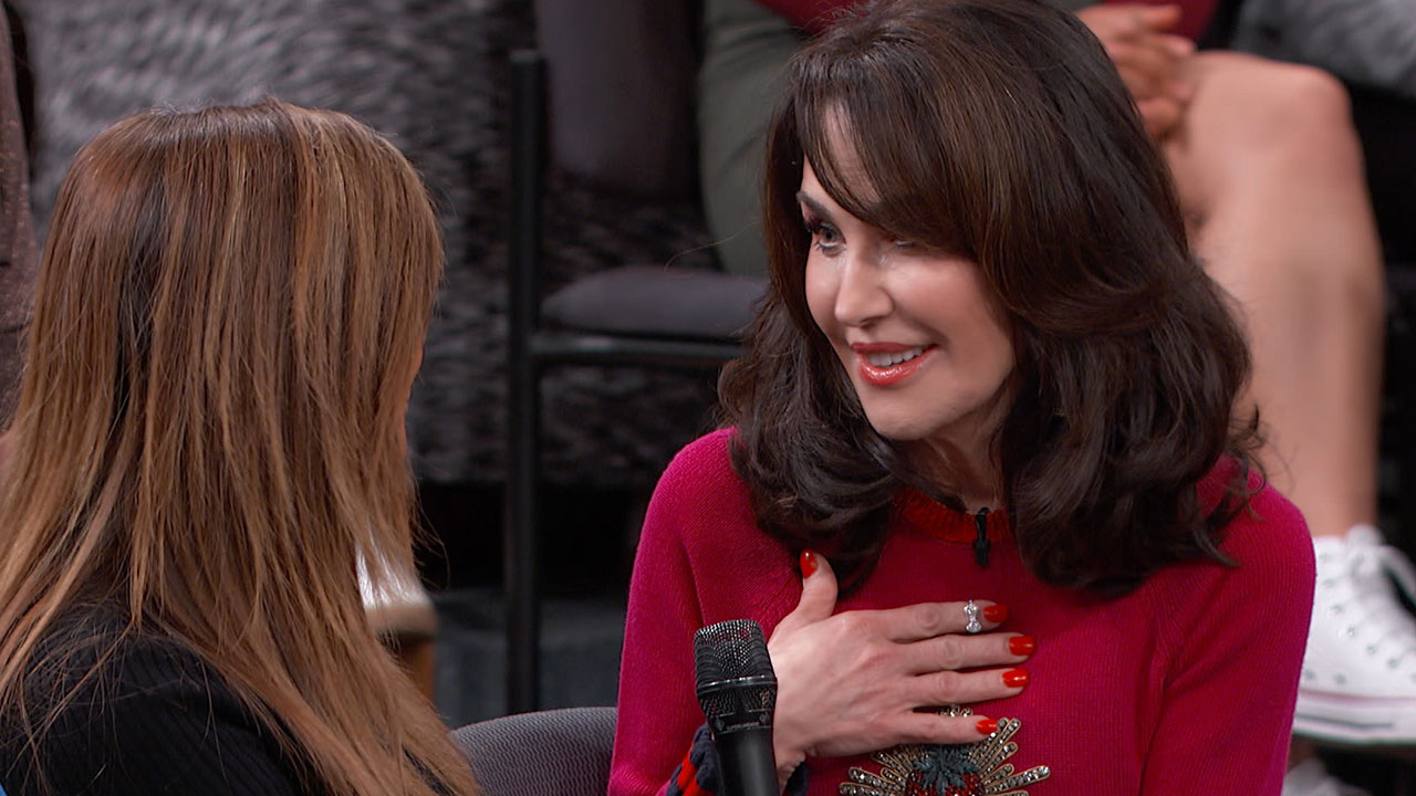 Robin McGraw Surprises The First Woman Who Used The Robin McGraw Revelation Products With A Gift to Brighten Her Skin And Her Holidays