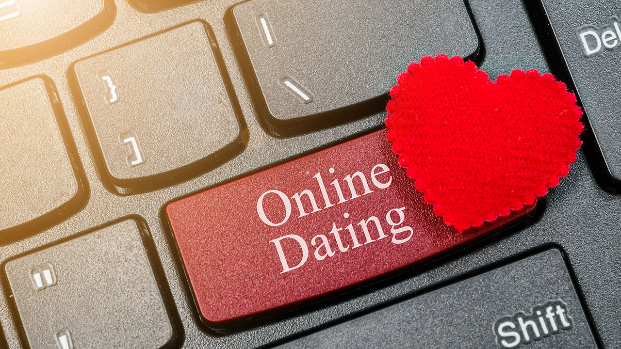 14 Tips To Help Keep You Safe When Dating Online Or Using Apps